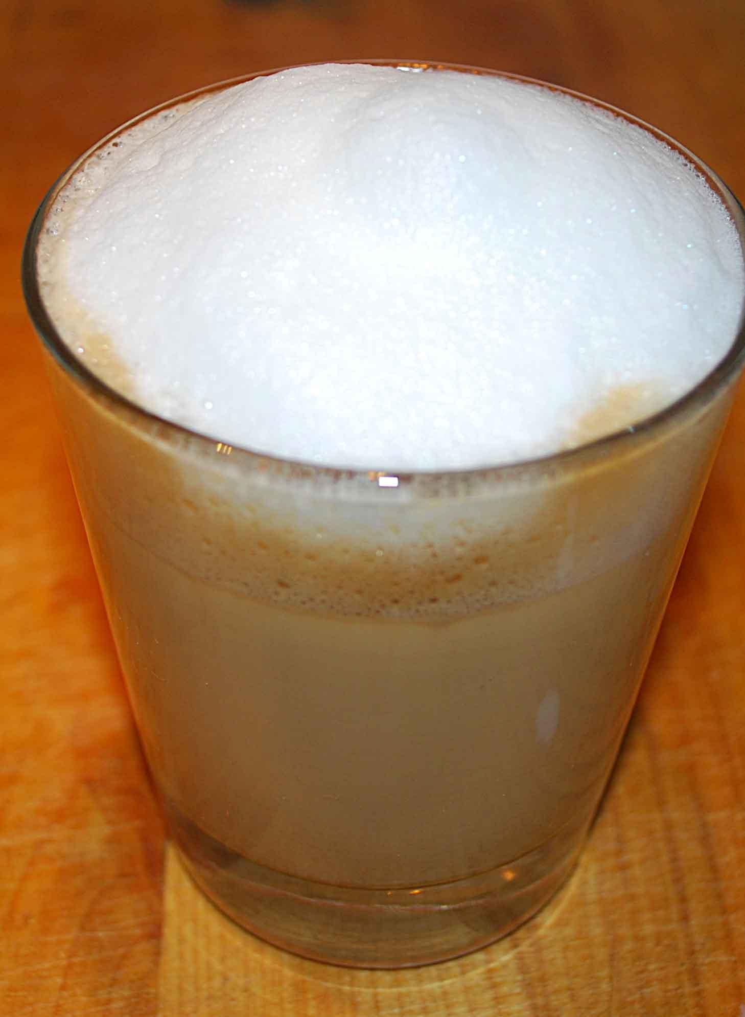 Как сделать взбитое молоко в домашних условиях