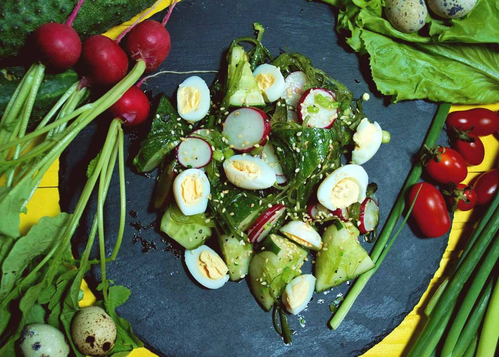 Рецепт салата яйца и зеленый лук